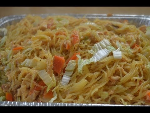 Lutong Pinoy - http://www.filipino-recipes-lutong-pinoy.com - Try this tasty pancit bihon recipe! It's made with lechon manok! love it!