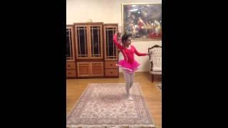 رقص زیبای دختر ایرانی با صدای شجریان