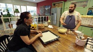 Şef Burak Zafer Sırmaçekici yarın sizlere evde yapılması en kolay pasta ve anne kurabiyesi tarifi veriyor.
