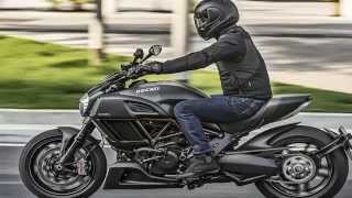 6. 2016 Ducati Diavel Carbon First the Monster 1200 R, now the 2016 Diavel Carbon