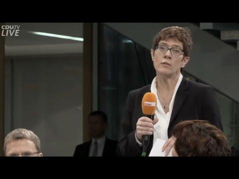 Annegret Kramp-Karrenbauer (CDU-Chefin) begrüßt zu Werkstattgespräch