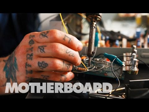 electronics - Subscribe to MOTHERBOARD here: http://bit.ly/Subscribe-To-MOTHERBOARD Listen up: We're running a special rebroadcast of the first season of Sound Builders, our show about noise (and the people...
