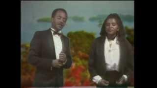 Ethio Oldies: Tewodros Tadesse And Asefu Debalike - Atbabi Sleyish (አትባቢ ስለይሽ)