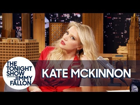 Download Kate McKinnon Shows Off Her Gal Gadot Impression HD Mp4 3GP Video and MP3