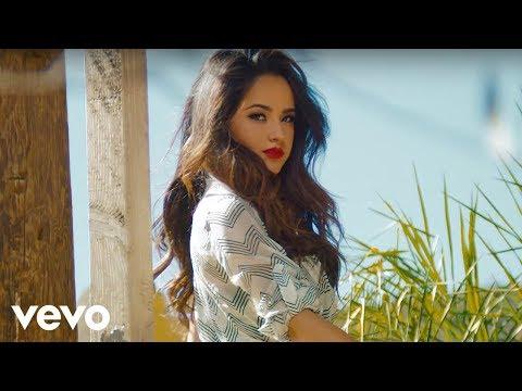 Becky G – Can't Stop Dancin'