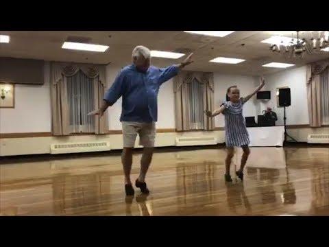 Παππούς και εγγονή απογειώνουν τις κλακέτες