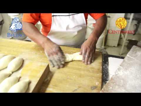 Como se hace el tradicional bolillo mexicano y el pan tipo baguette.