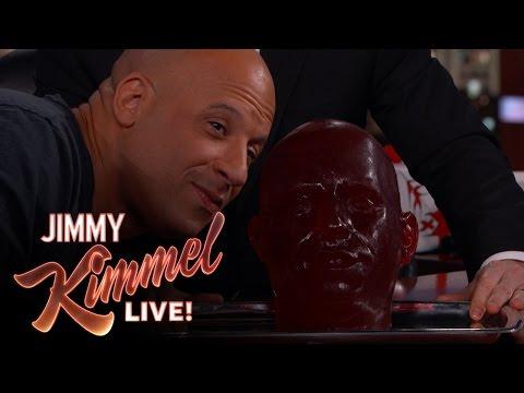 """جيمي كيميل يصنع تمثالا لفين ديزل من الـ """"جيلي كولا"""""""