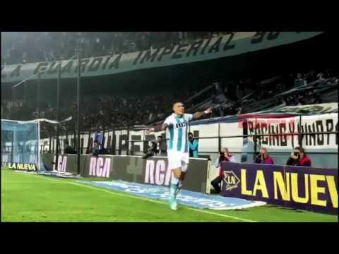 Bou festejó su gol con Lisandro López
