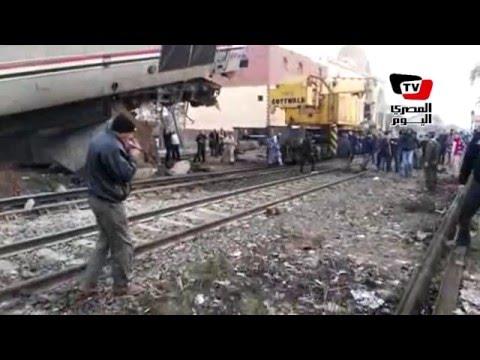 محاولات رفع حطام حادث انقلاب قطار بني سويف
