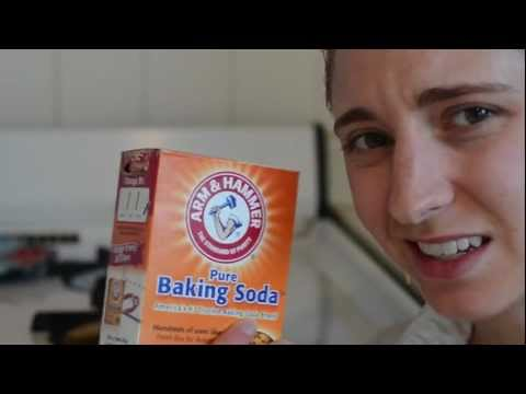 Can baking soda  be used to clean a stove top?