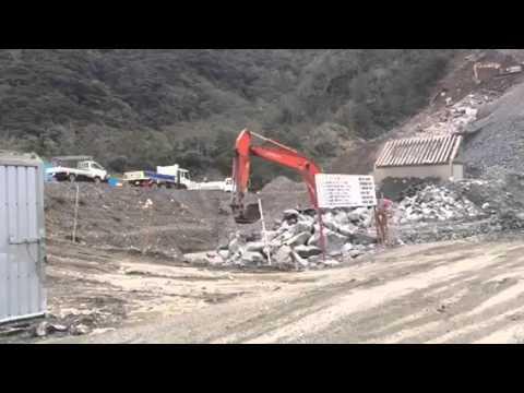 沖縄辺野古移設の埋め立て用土砂の調達候補地とされる鹿児島県奄美大島で「岩ズリ」搬出がはじまる