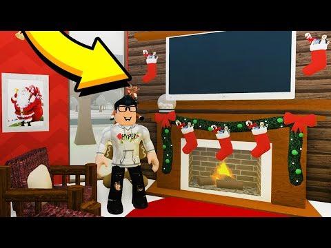 DECORATING MY BLOXBURG MANSION FOR CHRISTMAS!! (Roblox)