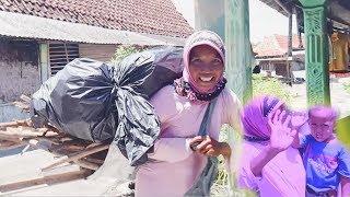 Video Ibu PEMULUNG KAYU yang beruntung .. JOGJAKARTA Social Experiment !! MP3, 3GP, MP4, WEBM, AVI, FLV Juli 2019