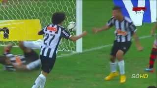 Narrador carioca comemora classificação do Flamengo antes do tempo e se dá mal!