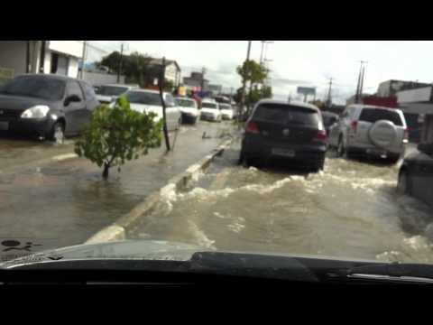 Chuvas em Recife - PE - Alagamento na Avenida Recife 05/05/2011 - 8h AM