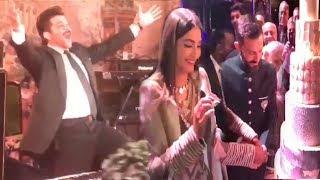Video LIVE Inside Video Of Sonam Kapoor's GRAND WEDDING Reception MP3, 3GP, MP4, WEBM, AVI, FLV Oktober 2018