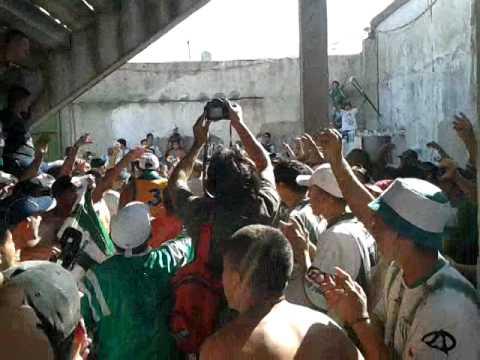 La Hinchada Que Nunca Abandona Es La De Laferrere! - La Barra de Laferrere 79 - Deportivo Laferrere
