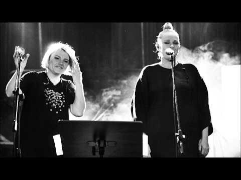 Tekst piosenki Ania Dąbrowska - Kto? (feat. Kasia Nosowska) po polsku