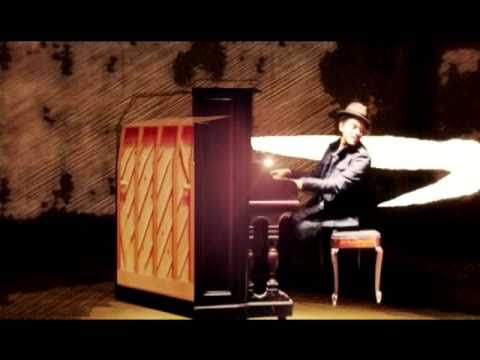 Bruno Mars - Doo-Wops & Hooligans - Singapore TV Commercial
