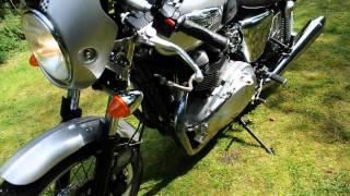 10. Triumph Thruxton 2008 only 3300 Miles.AVI