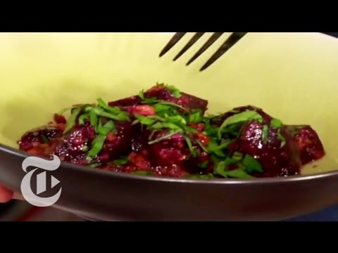 Thanksgiving Recipes: Beet Salad With Garlic-Walnut Sauce – Mark Bittman