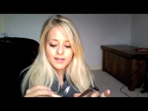 What's in my Bag / Purse Video | Fleur De Force видео