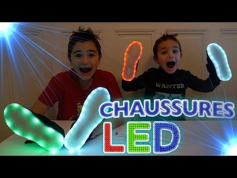 On teste les Chaussures LED Wegoboard ! -  Unboxing Surprise Baskets Lumineuses