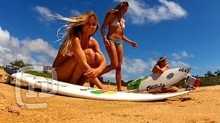 Women Surfers show you their skills