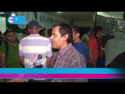 Caluroso recibimiento a 18 nicaragüenses deportados de Mexico