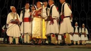Festivali Folklorik I Gjirokastres 2009 Kenge Nga Vlora E Shoqeruar Me Kavall