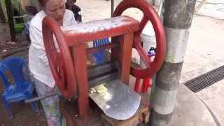 Mawlamyine Myanmar  city photo : กินน้ำอ้อยในมะละแหม่ง mawlamyine Myanmar drink sugar cane juice