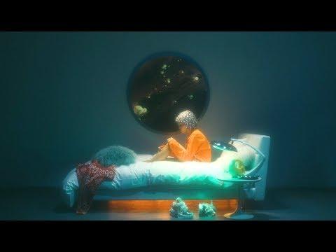 , title : '大比良瑞希「無重力」 MV presented by BARNEYS NEW YORK'