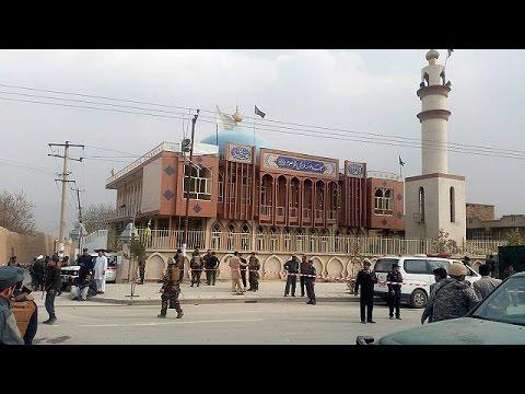 Αφγανιστάν: Πολύνεκρη επίθεση αυτοκτονίας σε τζαμί της Καμπούλ