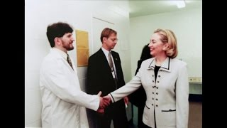 Nonton Hillary Clinton In Estonia   Trumpland  2016  Michael Moore Film Subtitle Indonesia Streaming Movie Download