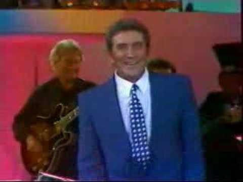 """""""Désirée"""" Gilbert Bécaud pour l'émission « Champs-Élysées » - 1987"""