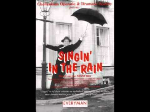 gene kelly singing in the rain songstolearnenglish. Black Bedroom Furniture Sets. Home Design Ideas