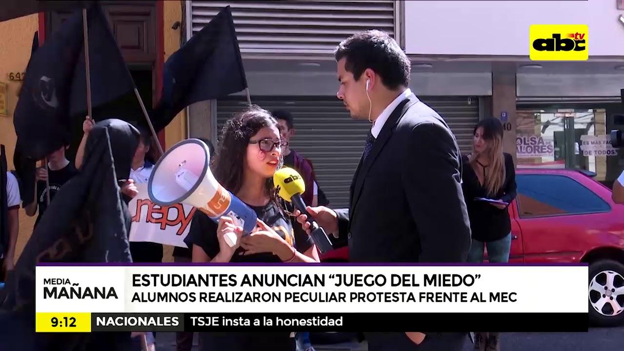"""Estudiantes anuncian """"juego del miedo"""" Para políticos"""
