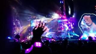 La chanson Up & up de Coldplay au Stade de France ce Dimanche 16 Juillet , encore un concert magnifique et un superbe show.