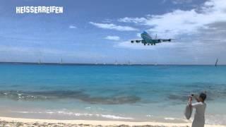 The Big One 747 KLM @ St. Maarten SXM Princess Juliana - approach and landing at Maho Beach.