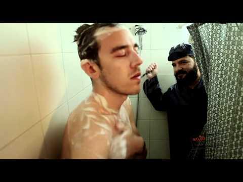 video con el corto de la ducha de solocomedia.com