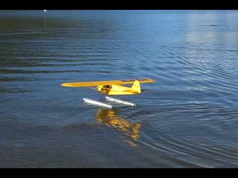 Great Planes Cub 40 size on Floats - Maiden