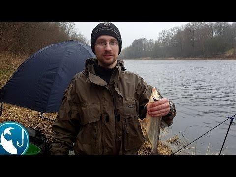 как рыбаки ловят рыбу на фидер