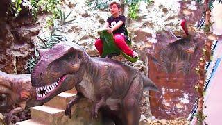 Video Jurassic Land Dinozor Parkı Gezisi - Oyuncak Abi Kerem Vlog MP3, 3GP, MP4, WEBM, AVI, FLV November 2017