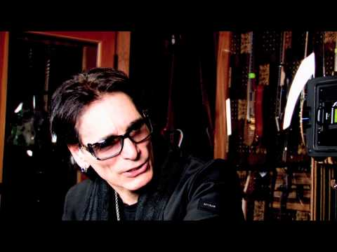 Steve Vai is a long term System 6000 user, and we met him in his studio for a talk about how he uses it.