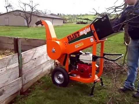 Kundenvideo, Häcksler Eliet Major 4S beim Obstbaumschnitt häckseln