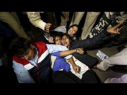 Ινδία: Απελευθερώθηκε ένας από τους δράστες αποτρόπαιου βιασμού