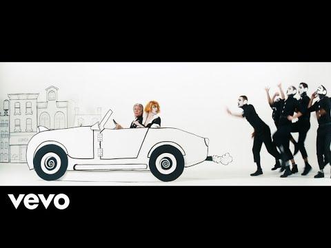 """Paul McCartney lança clipe de """"Who Cares"""" com participação de Emma Stone"""