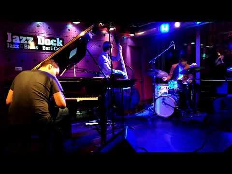 Jan Kavka Trio - My Valentine (Live in Jazz Dock)