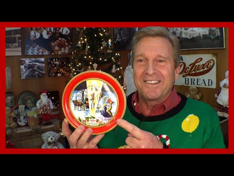 Why is DeLuxe® Fruitcake Perfect for Christmas?